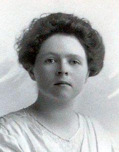 A highly intelligent woman, Grace Amelia Legg Worthington attended Wellesley College near Boston, Massachusetts, in 1915-17.