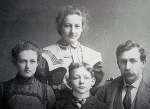 Millard Fillmore Hamilton with son Roy and daughters Ana and Hattie