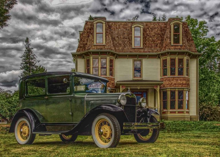 Vintage Ford car parked in front of the Worthington Mansion. Photo Copyright ©2019 Jeff Childs, published with permission.
